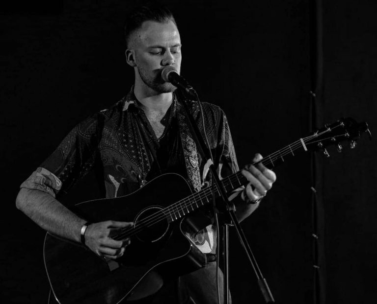 Will_Newman_BW_Performing_2
